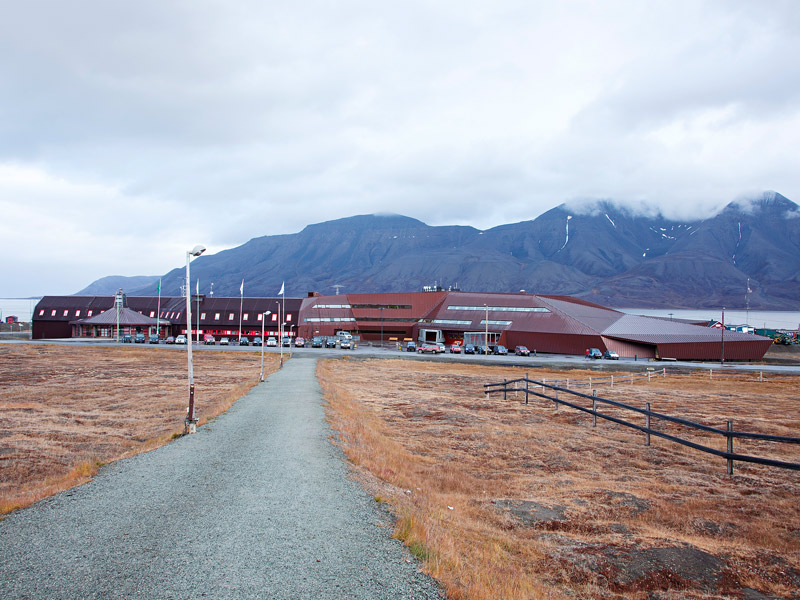 SVALBARD SCIENCE CENTER  Daniela Droz  Tonatiuh Ambrosetti